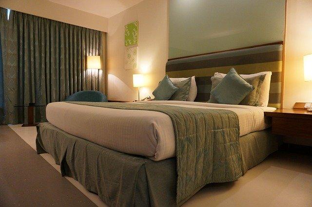 דירה, אכסניה, אוהל, חאן או בית מלון: הכל על אפשרויות הלינה בים המלח