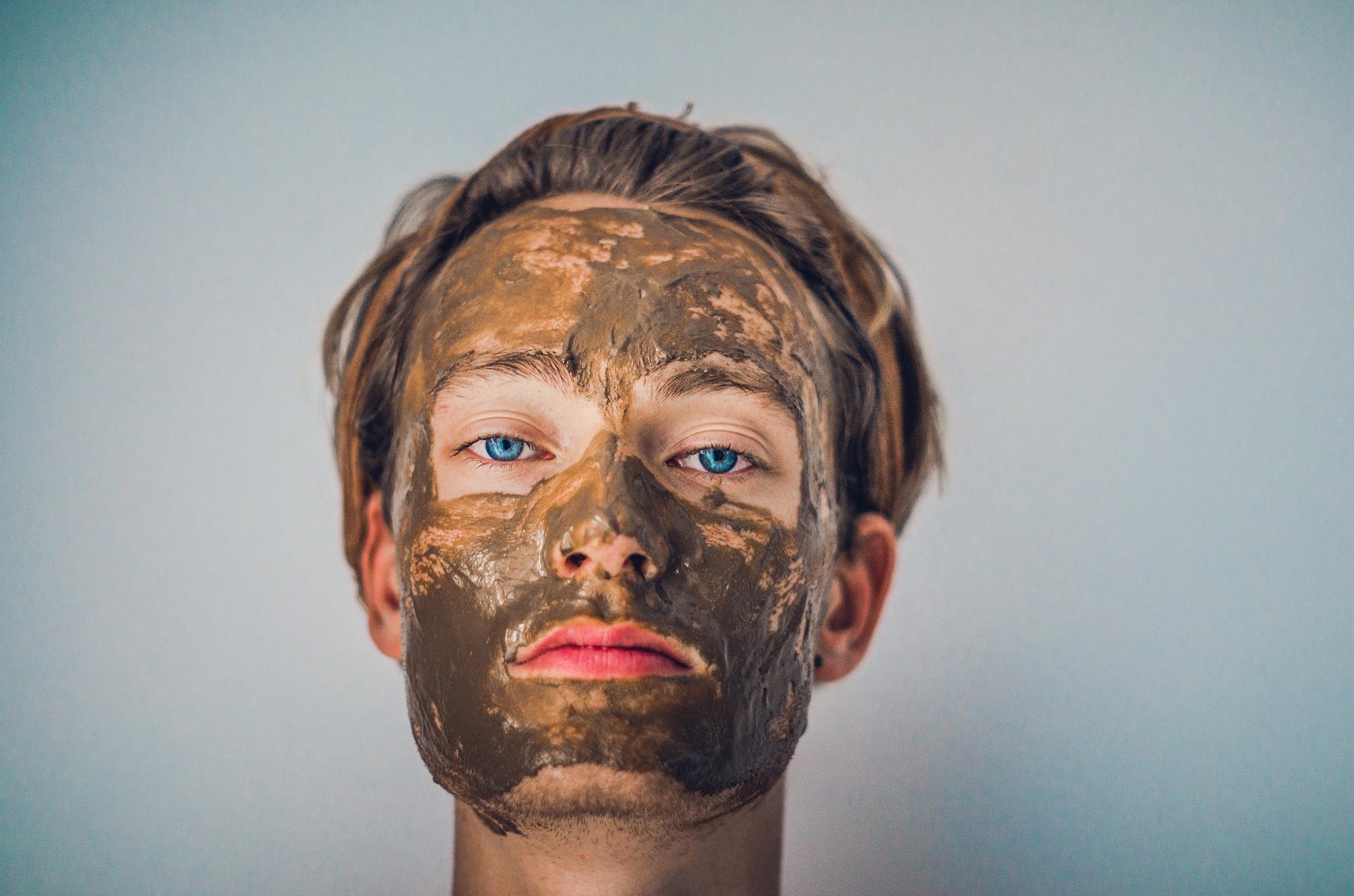 למה מורחים על העור את הבוץ של ים המלח?